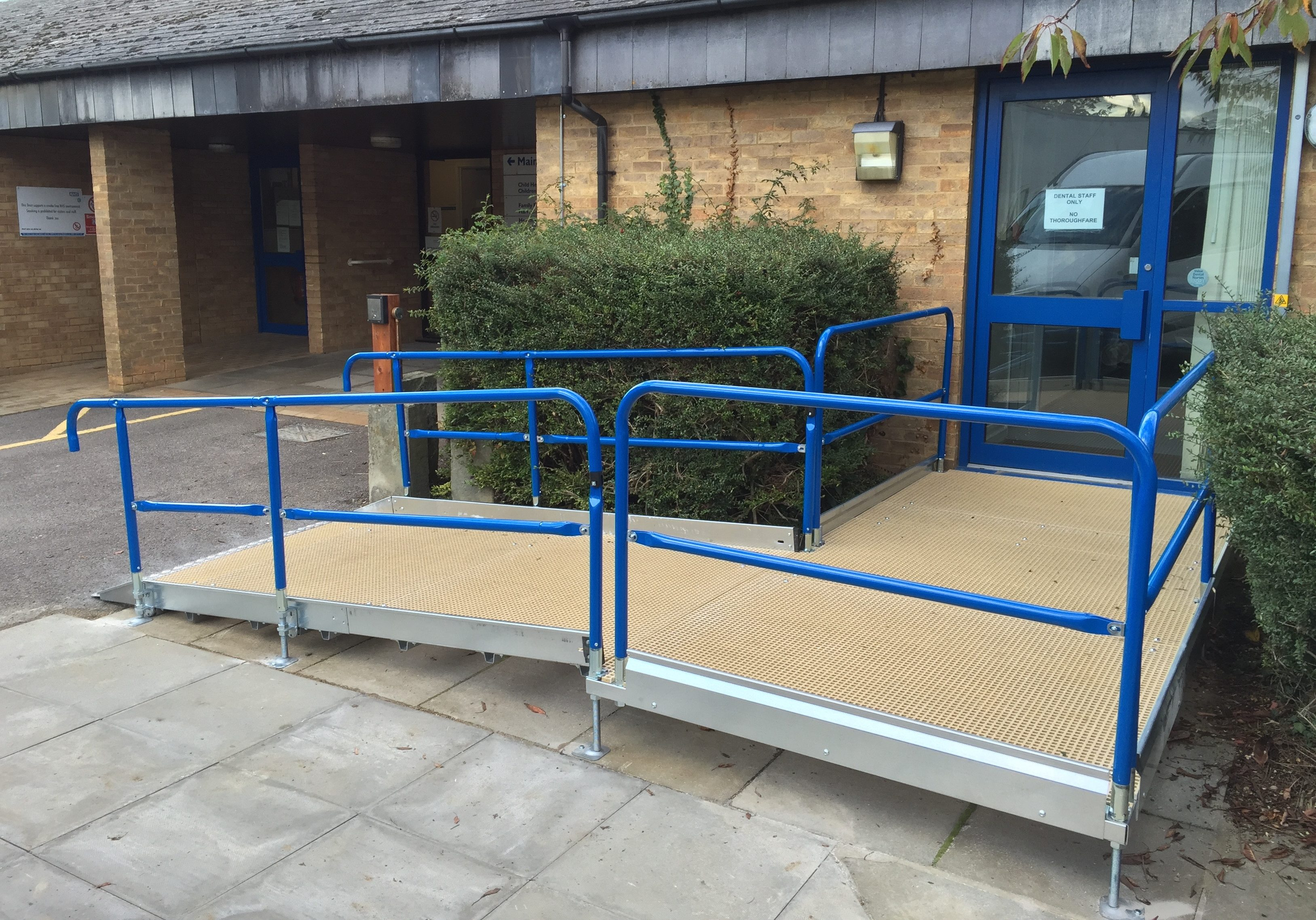 Wheelchair lift & modular ramp hire throughout the UK by the day